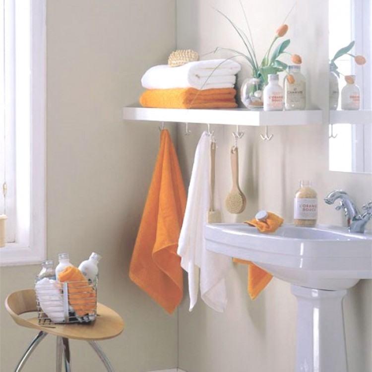 small bathroom shelving ideas