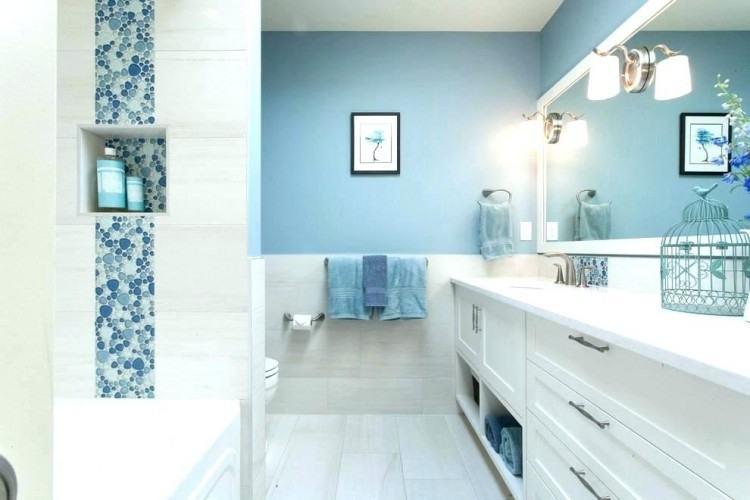 Architecture: Small #badezimmerdesign #badezimmer #bathroomdesign