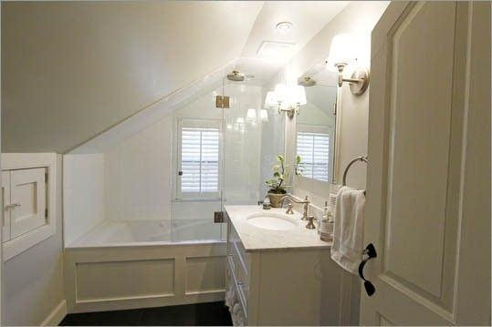 Another lovely bathroom under the eaves and in a relatively small space