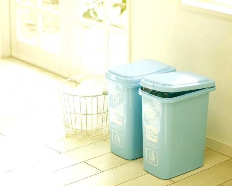 bath trash can