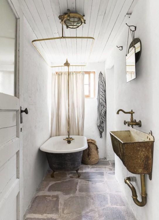 Bathroom decorating ideas to create a beautiful space #bath #bathroom #bathroomdesign